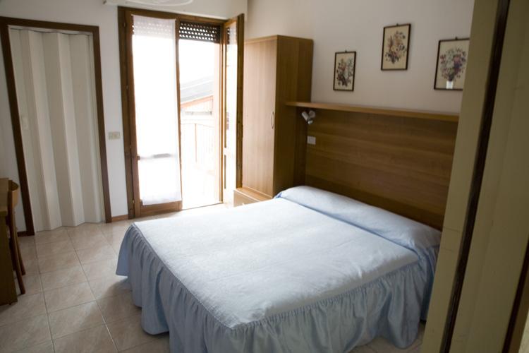 Le camere - Hotel giardino toscolano maderno ...